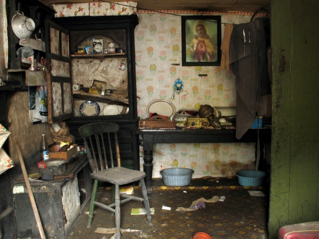 The kitchen facing north (Digital Photograph: Brian Mac Domhnaill, June 2005).