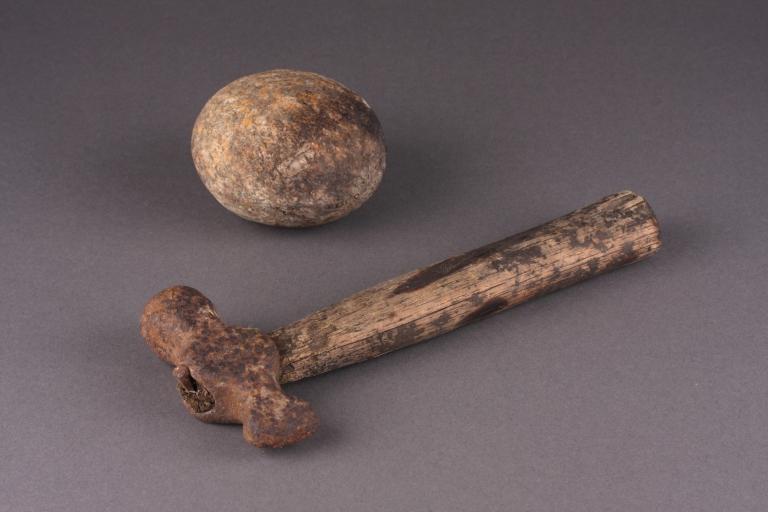BFK001 (cobble) and BFK002 (hammer) - (Digital Photograph: Brian Mac Domhnaill, April 2015).