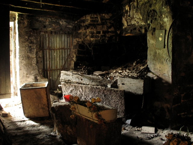 The northeast corner of the forge interior (Digital Photograph: Brian Mac Domhnaill, June 2005).